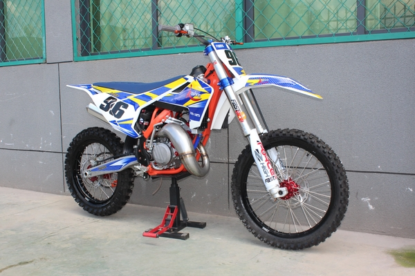 XN125 2stroke 6 Gear Motocross Dirt Bike XN125