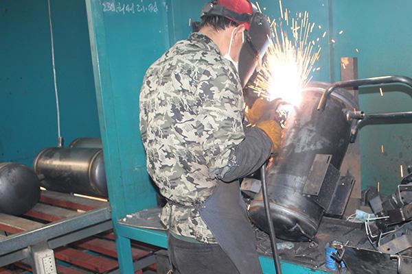 11-bracket-welding.jpg