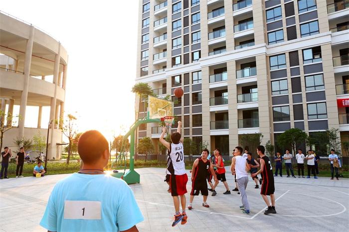 篮球比赛现场.jpg