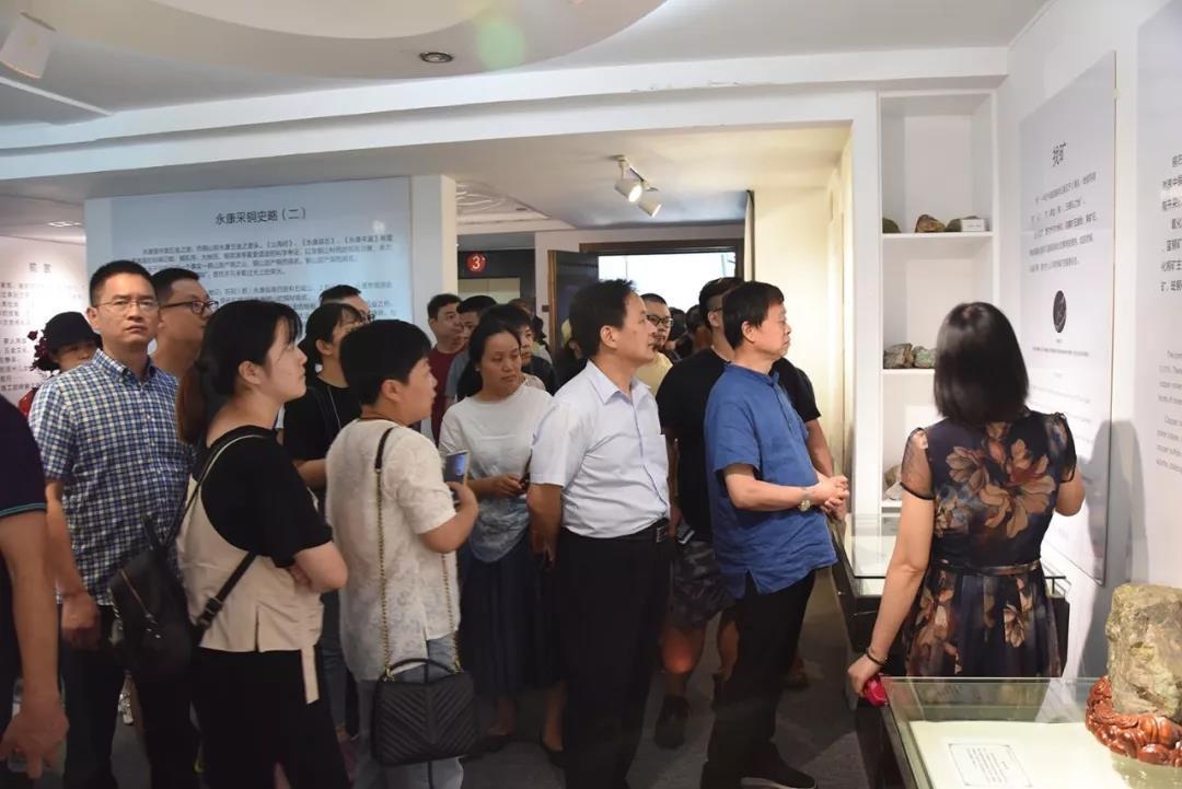 桐鄉市傳統工藝美術行業協會一行考察神雕銅文化博物館