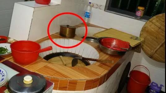 據說這種銅器很多人都沒見過,以前家家戶戶都有!