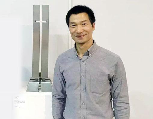 黄胜 工艺美术协会副会长,国际注册雕塑师、七品铜匠传承人