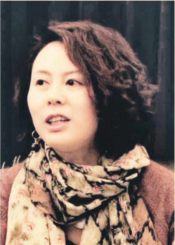 邹雪梅(副会长)