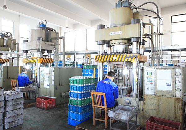 550t-extrusion-machine