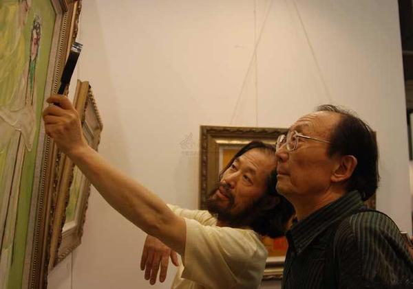 与批评家刘晓纯
