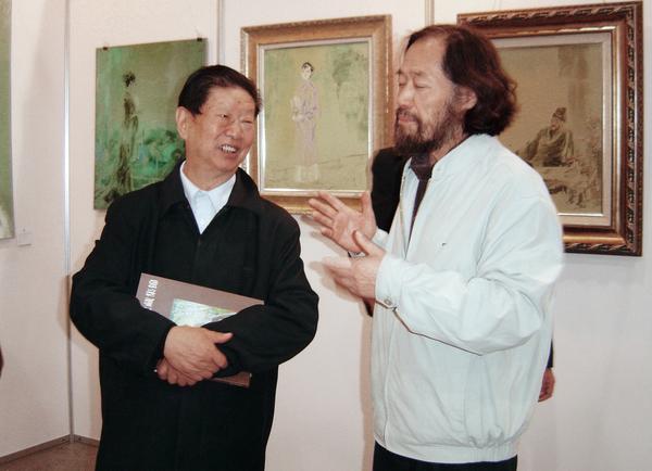 中国美协顾问肖峰先生观刘文进先生画展,并拟举行学术讨论会