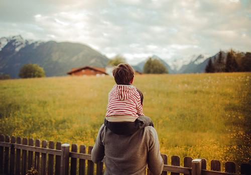 這個父親節,航鷹用實際行動表達對父親的愛!