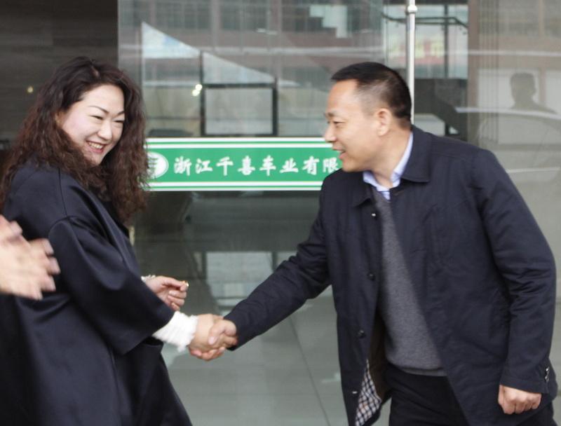 吕群勇副市长莅临千喜集团新春走访慰问