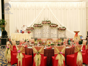婚宴主婚桌台布&喜庆红弹力包脚椅套