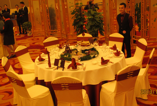 中餐宴会摆台-幸福之旅|餐饮布草|酒店布草|七星布草图片