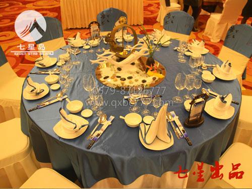 中餐宴会摆台-籣溪舟中|餐饮布草|酒店布草|七星布草图片