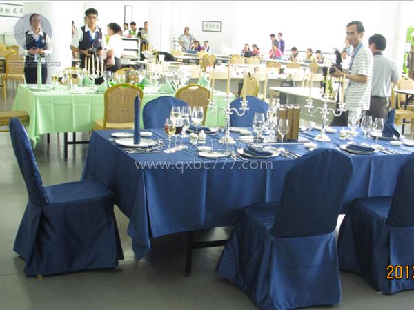 西餐宴会摆台-蓝色经典-