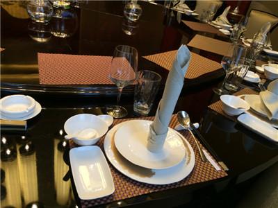 浅灰餐桌口布-