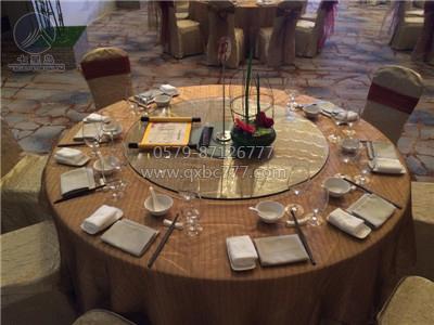 万达酒店薄纱台面装饰宴会大厅