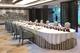 厦门金砖会晤筼筜书院夫人宴全景,席位规格临时变动桌布为当地制作_fm