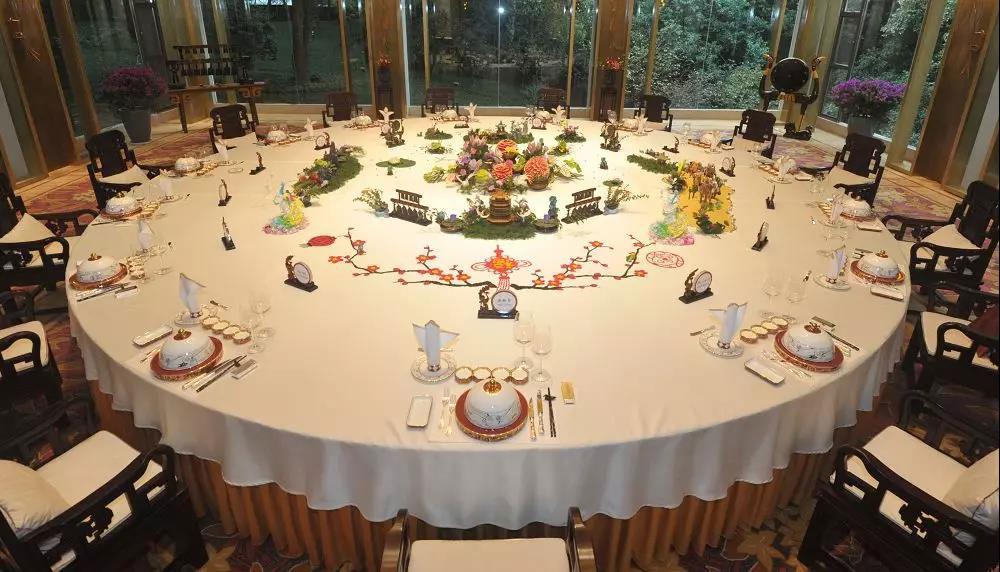 东湖宾馆宴请毛里塔尼亚总统的餐桌