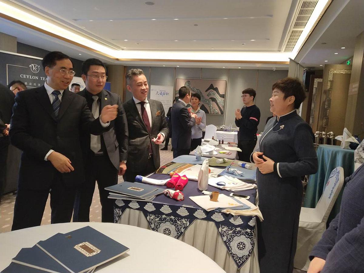 君澜集团董事长王建平莅临指导七星岛布艺