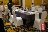 如何设计酒店餐桌台布摆放?
