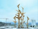 土库曼斯坦广场雕塑《群鸽飞舞》