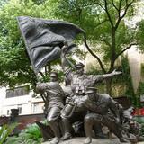 部队雕塑-1