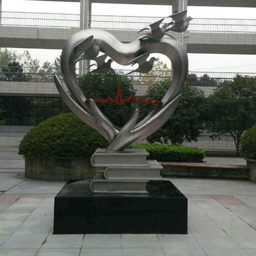 不銹鋼雕塑有什么意義價值及鍛造工具是什么?