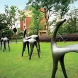 如何去除铸铜雕塑铜锈铜斑和城市景观铸铜雕塑的选择