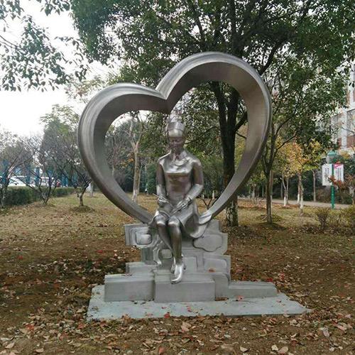 不锈钢雕塑造型的特点与园林景观雕塑的艺术性有哪些?
