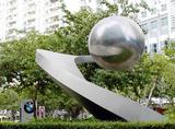 不銹鋼雕塑常見安放地點和設計元素