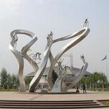 不銹鋼雕塑是怎么做的,為什么大受歡迎?