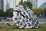 雕塑使用的材料和在都市环境装扮中的效果