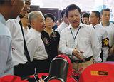 原全國人大常委會副委員長王漢斌參觀四方產品