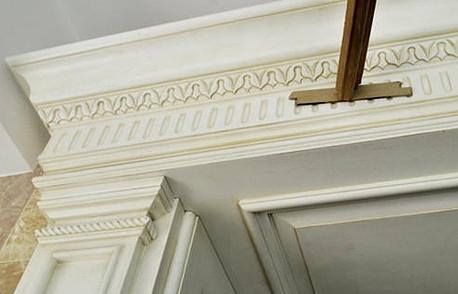 家庭装修中护墙板怎么固定到墙上的