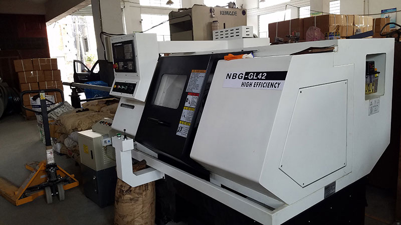 Fully automatic numerical control lathe