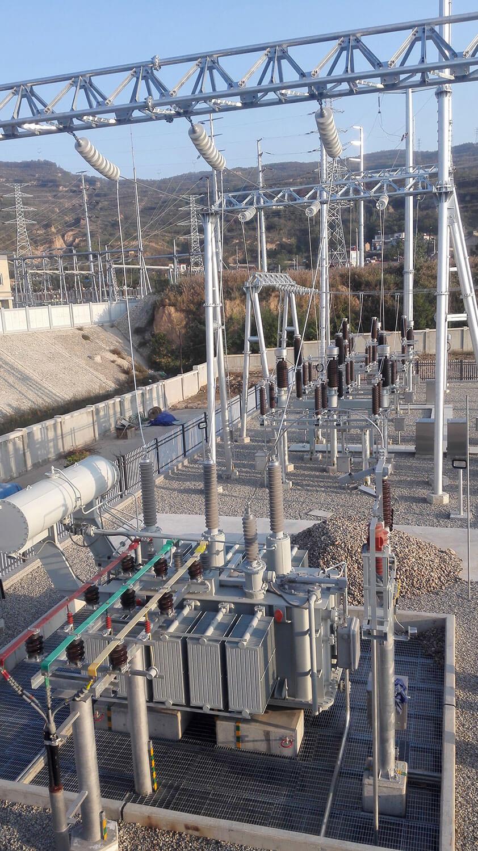 231-2建設中的試驗大廳和110kv變電站.jpg