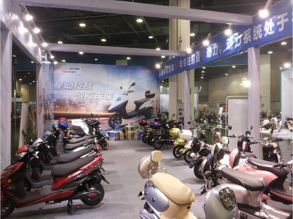 星月神最新科技产品亮相—— 浙江自行车新能源电动车展览会