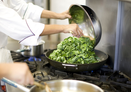 真相了!烹饪大师说不锈钢锅具这样用才正确