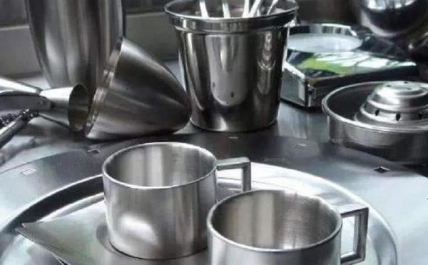 Which of the 304 steel and 316 steel is better when choosing tableware?