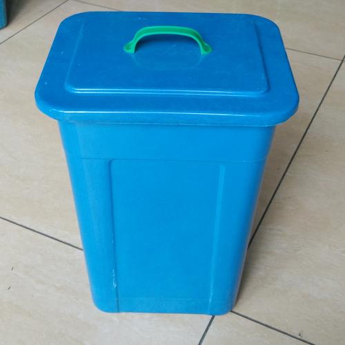 30L模压玻璃钢垃圾桶-