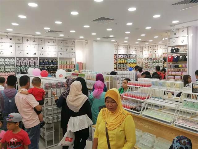 YOYOSO韩尚优品马来西亚海港购物广场店开业4