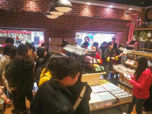 韩尚优品活动吸引了大量顾客