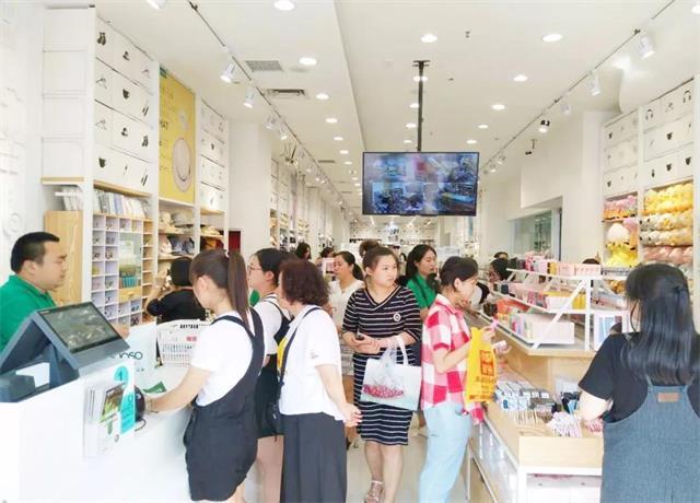 YOYOSO韩尚优品:吉林东方广场店试营业,人气爆棚!