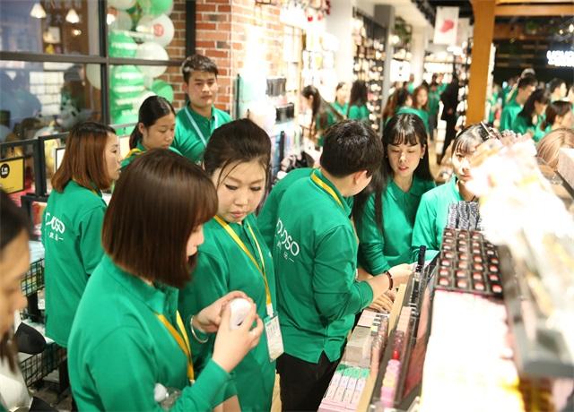 韩尚优品学员参观展厅