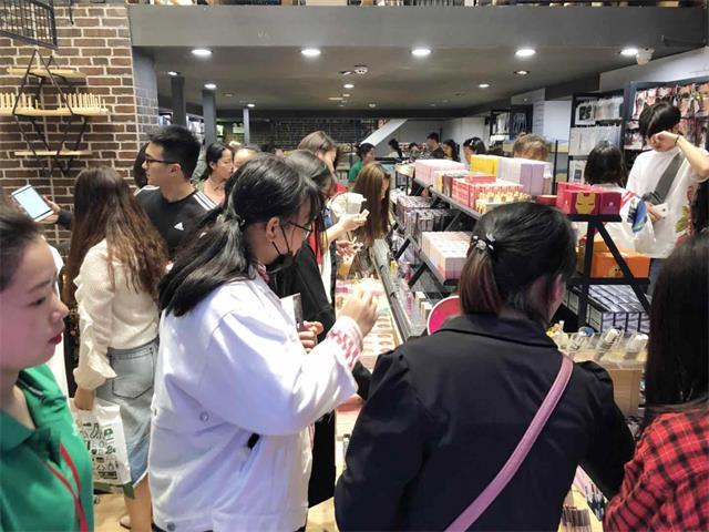 韩尚优品火爆门店