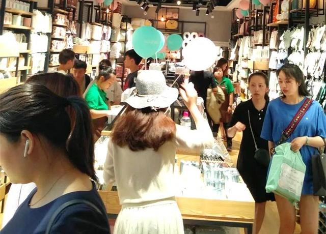 【YOYOSO韩尚优品】泸州合江店火爆开业,掀起销售高峰!