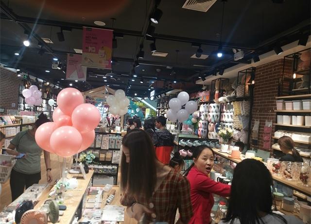 YOYOSO韩尚优品福建南平店全新升级,引爆超高人气!