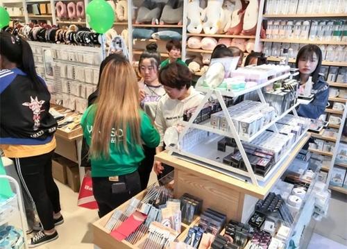 經營一家快時尚百貨店應該怎么進貨?