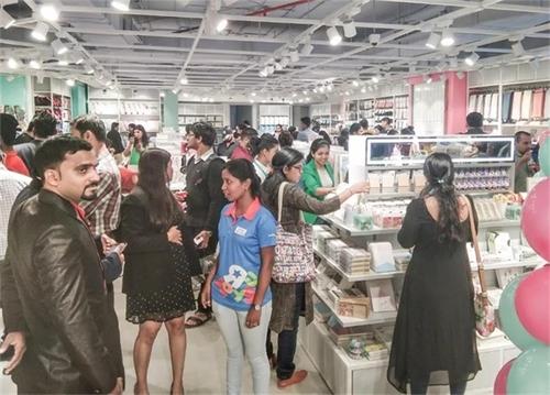 商學院:快時尚百貨店的投資回報好不好?