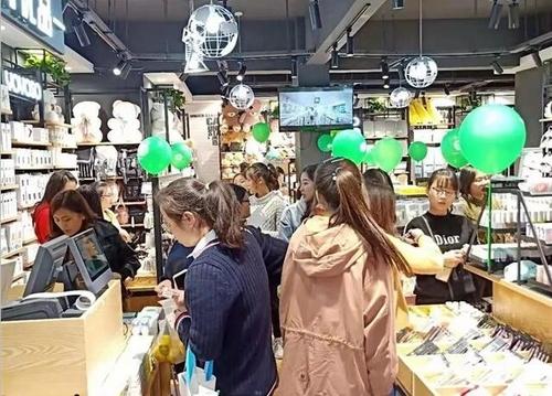 快時尚百貨店面消費體驗度提升該怎么進行?