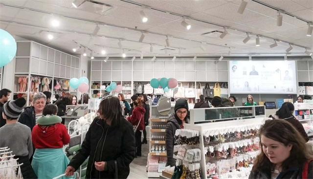 YOYOSO加拿大里賈納店盛大開業1