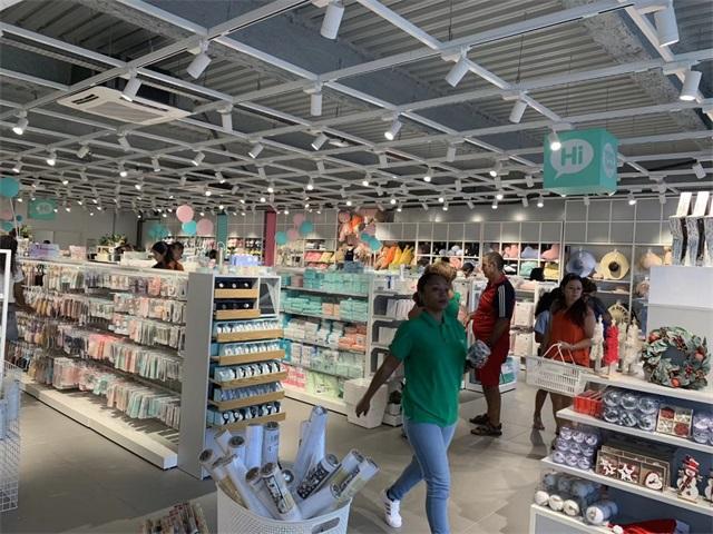 YOYOSO France Reunion Island Store (6).jpg
